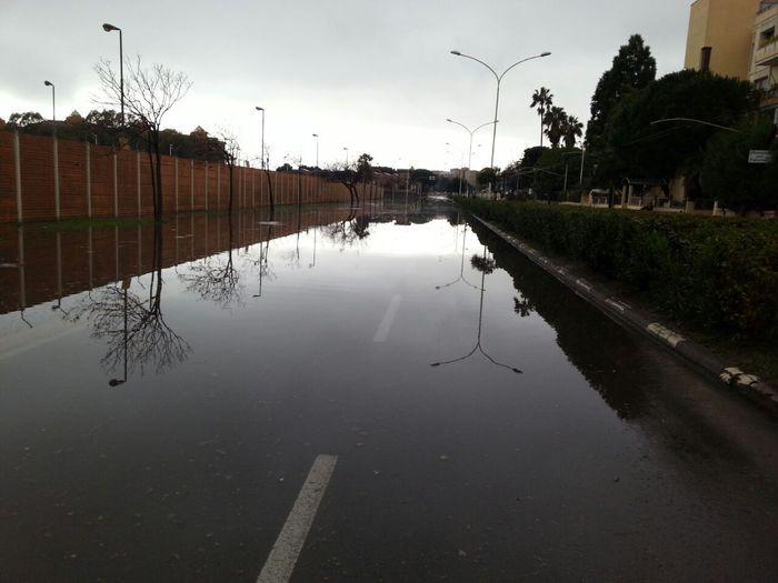 Cagliari: il maltempo manda in tilt il traffico, stazione allagata
